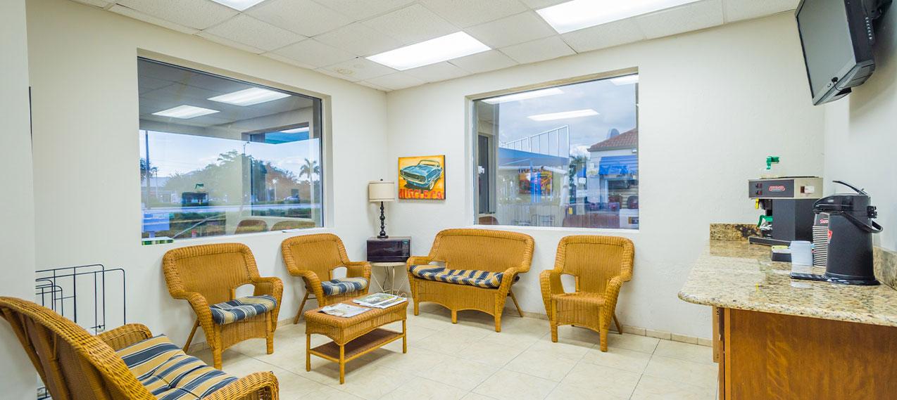Comfortable Waiting Area | Super Suds Car Wash & Auto Repair - Bonita Springs, FL